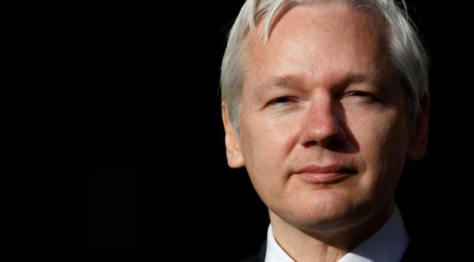 WikiLeaks' Assange Warns Clinton Campaign: More Game-Changing Emails Loom | Zero Hedge