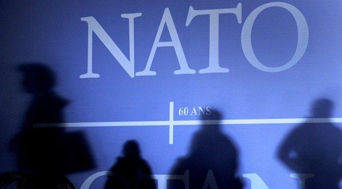 NATO Presence Beside Russia's Borders Contributes to Rising Tensions — Sputnik International