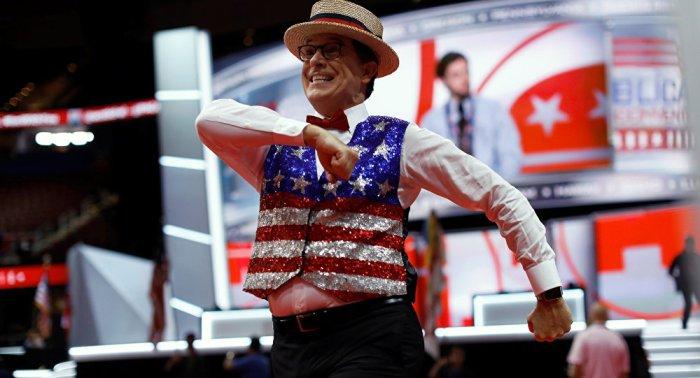 WikiLeaks: Colbert Show Took Orders From Clinton Global Initiative — SputnikInternational