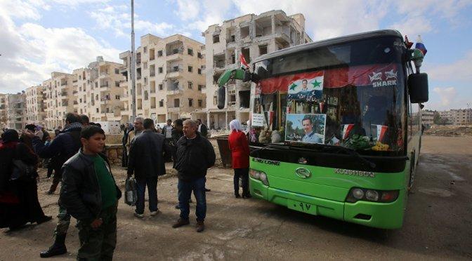'Continuous Flow': Civilians Fleeing East Aleppo Through Humanitarian Corridors — Sputnik International