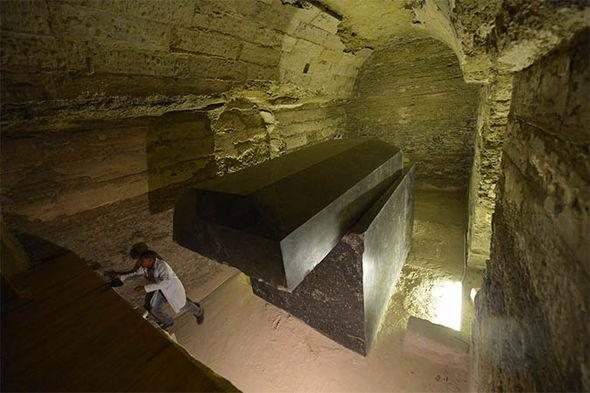24 Mysterious Black-Boxes Discovered Near Egypt's Great Pyramid — Galactic Connection