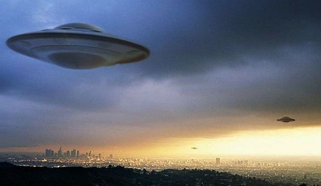 Ancient Alien Laboratory Earth Including New Evidence of Galactic War via Linda Moulton Howe
