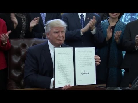 President Trump Signs Executive Order to Reorganize Executive Branch 3/13/2017